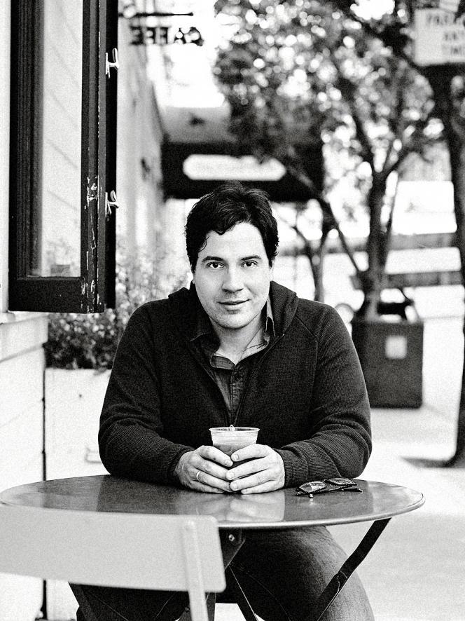 Antonio Garcia Martínez, diplômé de physique, a d'abord créé sa propre start-up avant d'intégrer Facebook pour deux ans.
