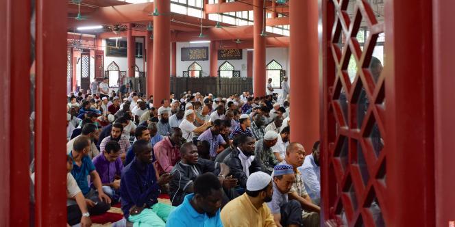 Dans la Grande Mosquée de Canton.