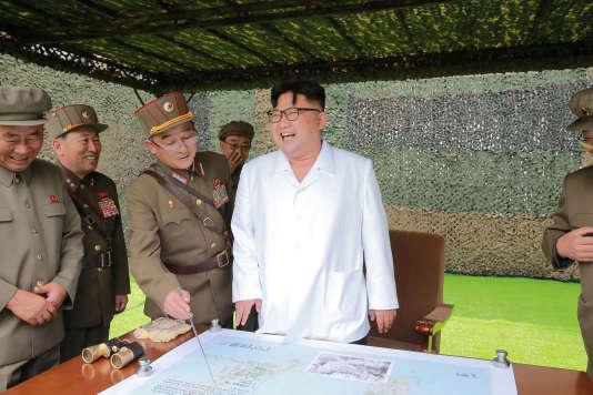 « Si Pékin souhaite la dénucléarisation de son voisin et s'exaspère de ses provocations, elle redoute surtout un effondrement soudain du régime nord-coréen qui aurait pour conséquence une instabilité accrue dans sa périphérie» (Photo:Kim Jong-un).