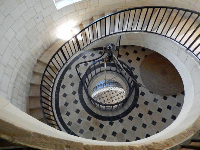 L'escalier du phare de Cordouan, dans l'estuaire de la Gironde, actuellement en cours de restauration.
