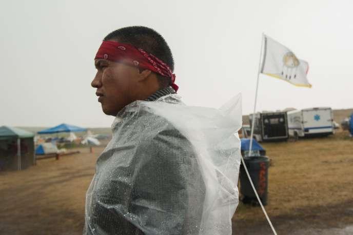 Un membre du conseil de sécurité de la réserve sioux de Standing Rock, Dakota du Nord, en septembre 2016.