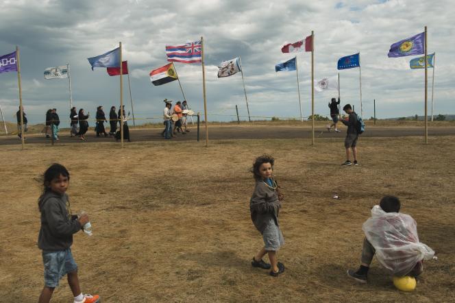 Des Amérindiens du Michigan rejoignent le camp de manifestants dans le Dakota du Nord, le 7 septembre.
