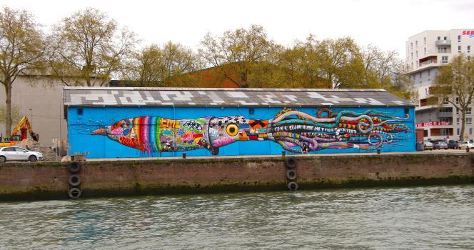Le calamar graffé de Brusk sur un quai de Rouen.