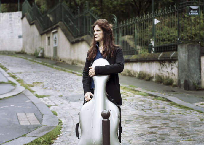 Sonia Wieder-Atherton, le 5 septembre, à Paris, près du Parc de Belleville.