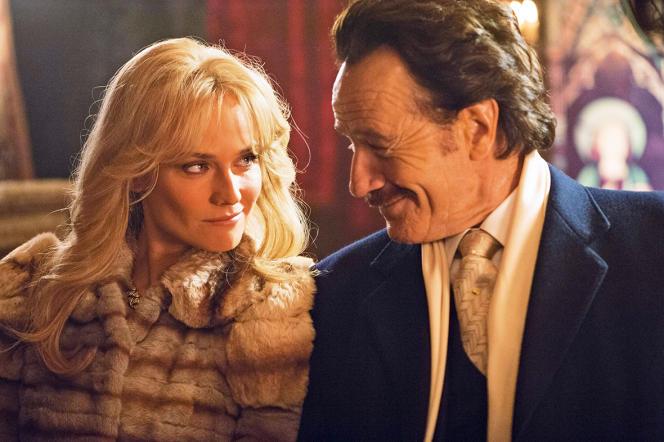 Dans« Infiltrator», Bryan Cranston incarne Bob Mazur, un agent fédéral qui infiltre les cartels de la drogue colombiens et démantèle une filière de blanchiment d'argent. Ici avec Diane Kruger.