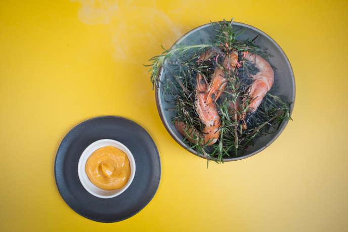 Crevettes en buisson accompagnées d'une mayonnaise au citron.