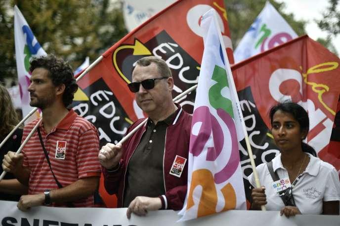 Dans le cortège parisien de la manifestation contre la réforme du collège, le 8 septembre.