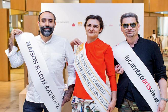 Soirée de lancement du projet de l'Ecole ALBA-La Cambre le 30 mars 2016 au showroom de Rabih Kayrouz qui en est le parrain. De gauche à droite : Rabih Kayrouz, Emilie Duval et Tony Delcampe.