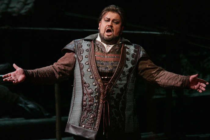Le ténor sud-africain Johan Botha dans le rôle de Calaf lors d'une répétition de l'opéra de Giacomo Puccini, « Turandot» au Metropolitan Opera de New York, en décembre 2004.