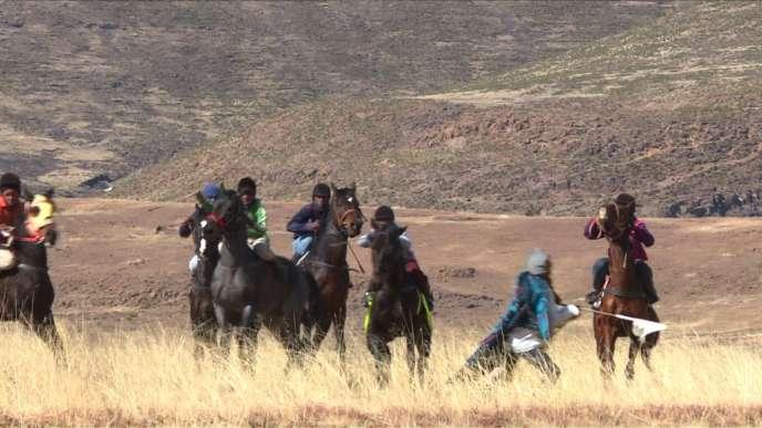 Lors d'une course de chevaux, au Lesotho.