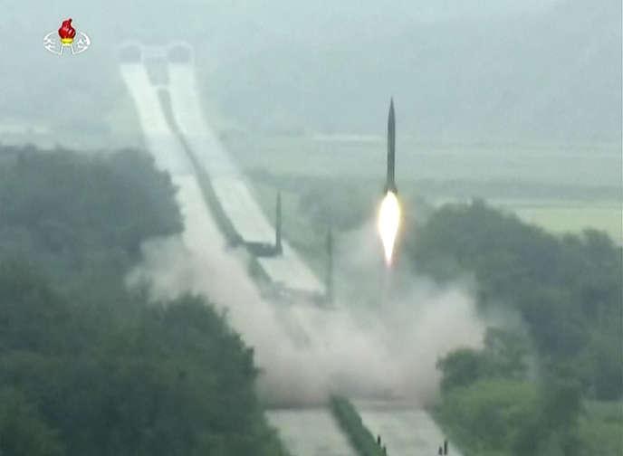 La Corée du Nord procède à ces tests divers au moment où Washington et Séoul mènent leurs exercices militaires annuels conjoints.