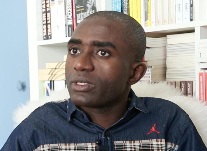 L'écrivain Ali Zamir.