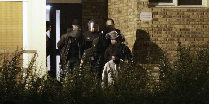 Opération antiterroriste à Boussy-Saint-Antoine (au sud de Paris), le 8 septembre.