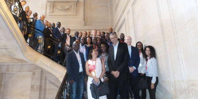 La promotion 2016 de LeAD Campus, avec le président d'AfricaFrance, Lionel Zinsou.