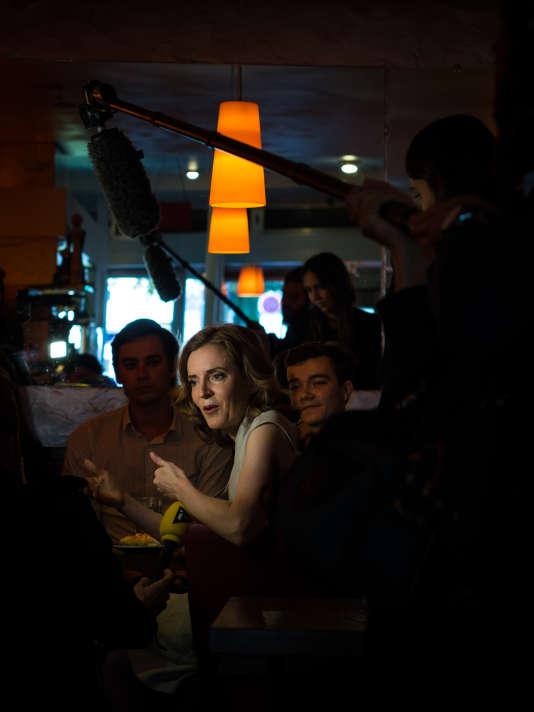 NathalieKosciusko-Morizet et son équipe prennent un dernier café devant deux ou trois caméras, vendredi 9 septembre.
