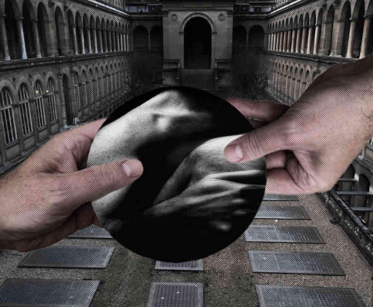 « Dans l'Hôtel-Dieu, une installation en mouvement de Christian Rizzo. Une silhouette apparaît et disparaît sans cesse, vision provoquée par un jeu de diffraction de la lumière. Le rêve continue, voilà l'artiste projeté dans le labyrinthe de l'amour».