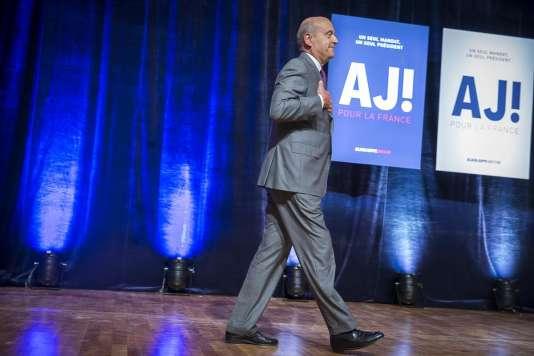 Alain Juppé, candidat à la primaire à droite, anime son premier meeting de campagne à Strasbourg, mardi 13 septembre.