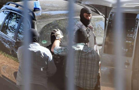 Un homme suspecté d'appartenir à l'Etat islamique le 13 septembre àKarlsruhe en Allemagne.