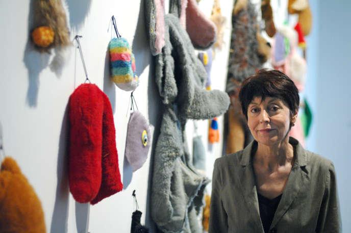 L'artiste Annette Messager lors de l'exposition « Les Messagers» au Centre Pompidou à Paris, en juin 2007.