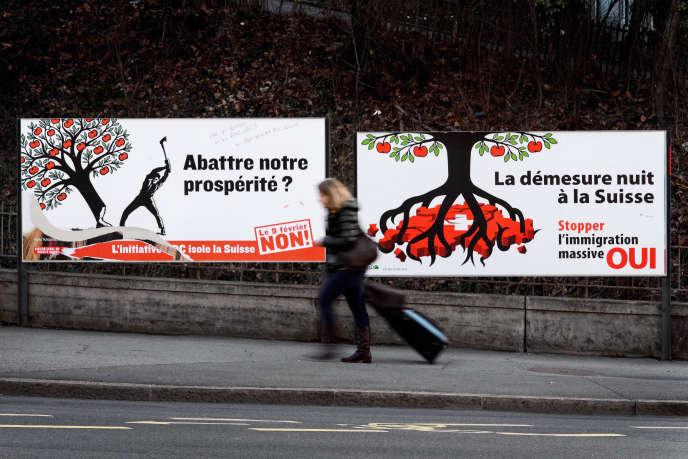 Affiche en faveur du« oui» lors de la votation contre l'immigration de masse, en Suisse, en janvier 2014.