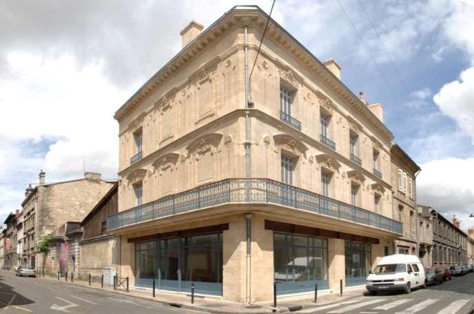 Un immeuble du XIXesiècle, entièrement rénové, dans l'emblématiquequartier Saint-Michel.