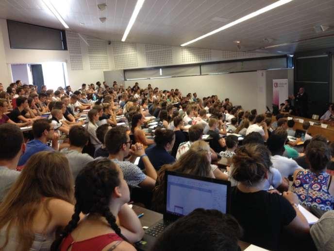 Premier amphi pour les étudiants en Staps de l'université de Lille, lundi 12septembre.