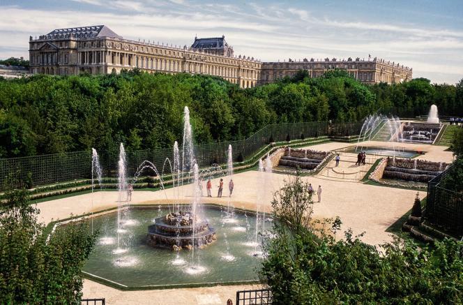 Comme d'autres monuments classés, le bosquet des Trois Fontaines du château de Versailles sera rénové grâce à des fonds privés.