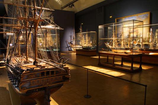 L'une des salles du musée de la Marine au Trocadéro à Paris.