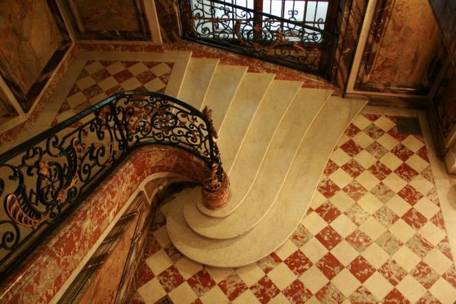 L'escalier de l'hôtel de Béhague à Paris.