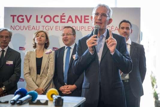 Mercredi 14 septembre, Guillaume Pepy, président de la SNCF, présente à la presse le nouveau TGV Oceane, destiné à la nouvelle ligne à grande vitesse Paris-Tours-Bordeaux qui ouvrira le 12 juillet 2017.