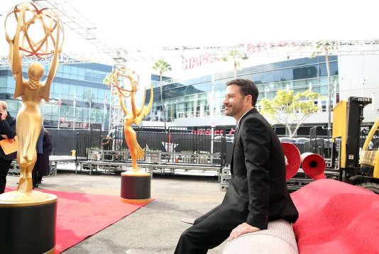 Jimmy Kimmel a été acclamé pour sa performance de maître de cérémonie aux Emmy Awards en septembre, à Los Angeles.