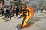 Depuis 2011, 144 Tibétains se sont immoléspar le feu en signe de protestation contrele gouvernement chinois. Ici, Jamphel Yeshi,à New Delhi, le 26 mars 2012.