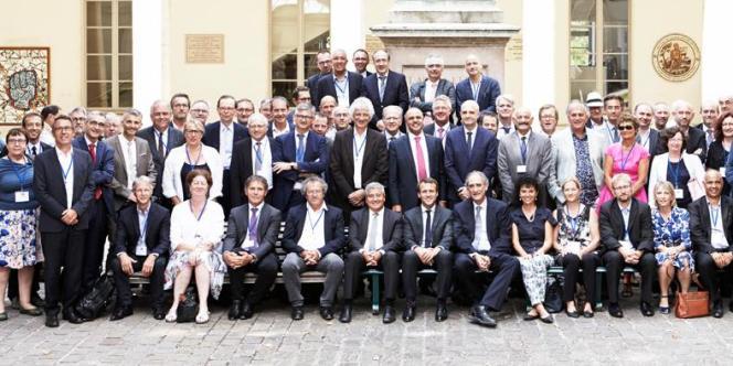 Photo de groupe lors de l'université d'été de la Conférence des présidents d'université. Seulemement 16 % d'entre eux sont des femmes.