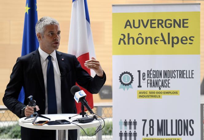 Laurent Wauquiez, lors d'un discours sur l'immigration en septemre 2016, année de son élection commeprésident du conseil régional d'Auvergne-Rhône-Alpes.