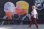 Peinture murale sur la devanture d'un restaurant de Vilnius, la capitale de la Lituanie.