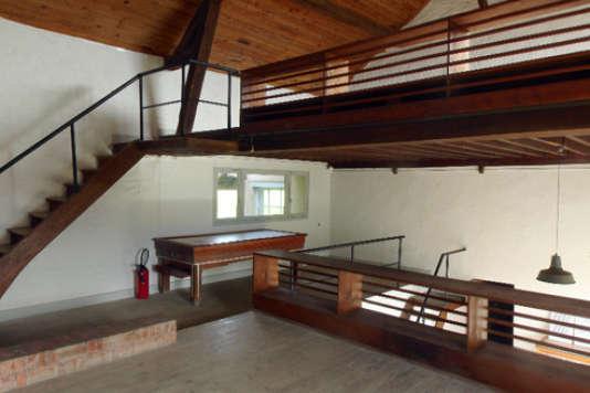 Huit lieux pour habiter le patrimoine for Interieur maison 1960