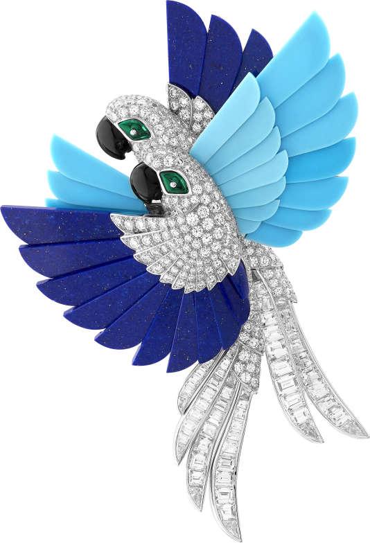 Clip Perroquets de Van Cleef & Arpels en or blanc, diamants, boules d'émeraude, lapis-lazuli, turquoise, onyx, collection L'Arche de Noé.