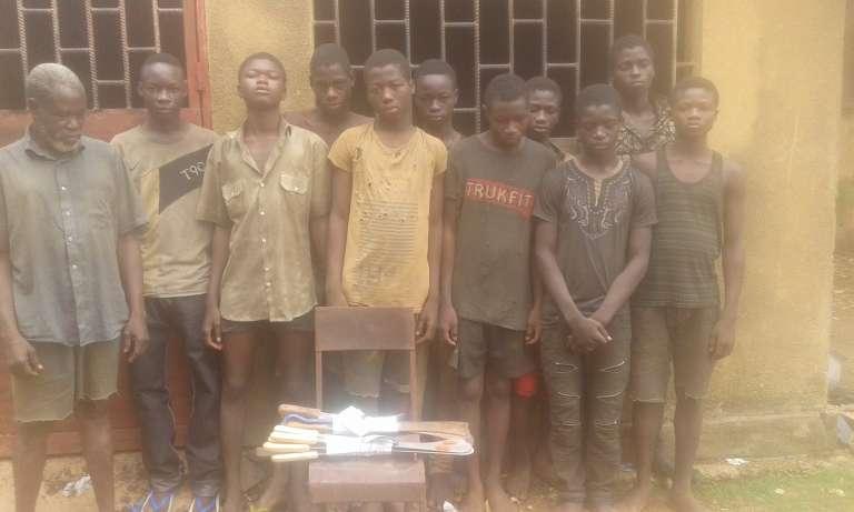 Bande d'adolescents arrêtés à Ouagadougou après une vague de cambriolages et d'agressions commises entre fin 2015 et le printemps 2016