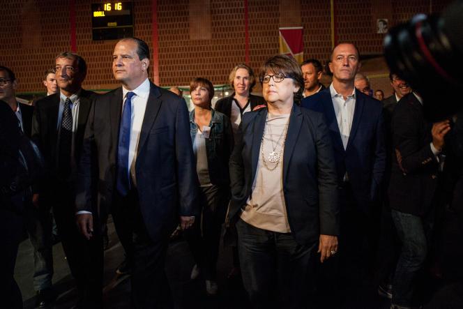 Jean-Christophe Cambadélis, premier secrétaire du PS et Martine Aubry, Maire de Lille, entrent dans la grande salle du meeting qu'ils vont tenir ensemble.