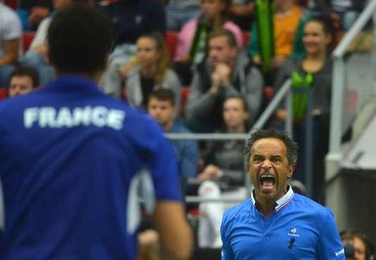 Yannick Noah le 17 juillet, lors du quart de finale de la Coupe Davis face à la République tchèque.