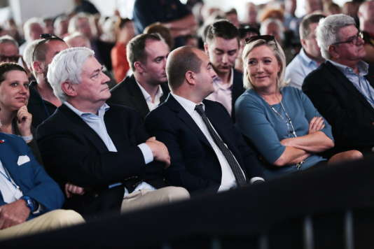 David Rachline et Marine Le Pen pendant la table ronde de Marion Marechal-Le Pen et Steeve Briois, aux Estivales àFréjus, dimanche 18 septembre.