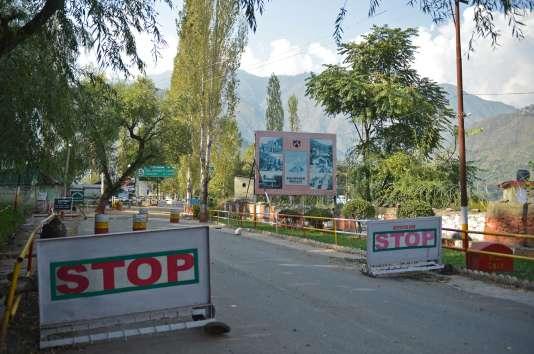 L'entrée d'une base militaire où ont été tués 17 soldats indiens, à Uri, le 18 septembre.