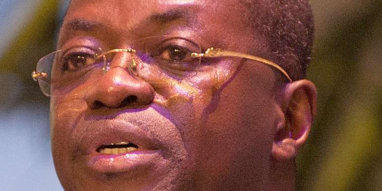 Séraphin Moundounga, député du Parti démocratique gabonais et ministre de la justice en 2015, a démissionné de ses fonctions le 6 septembre 2016.