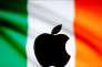 Le logo de la société Apple se détachant d'un drapeu irlandais ( Illustration).