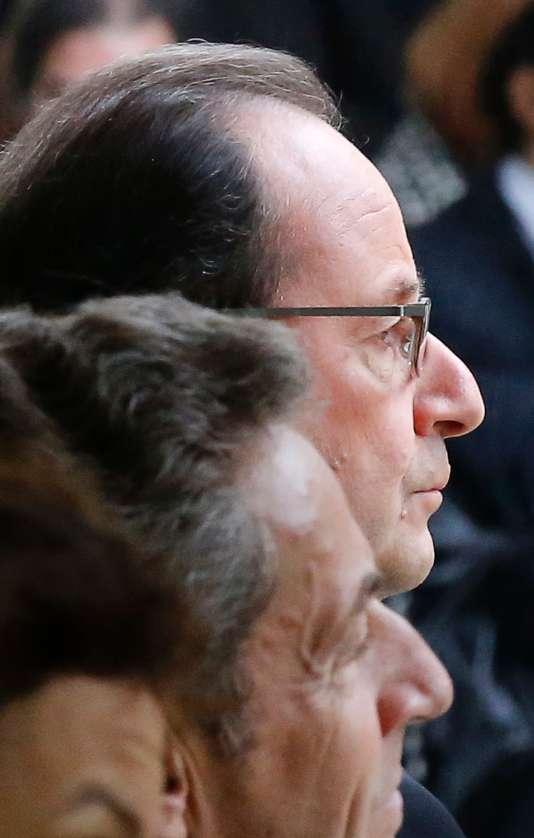 Nicolas Sarkozy et Francois Hollande côte à côte aux Invalides lundi 19 septembre.