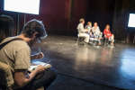 Le débat du Monde Festival sur la bande dessinée, de l'atelier au terrain, aux Bouffes du Nord, à Paris, le 18 septembre 2016, avec le journaliste Frédéric Potet et les dessinateurs Lisa Mandel, Etienne Davodeau, Pénélope Bagieu.