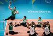 L'équipe masculine iranienne de volley assis (maillots verts), médaille d'or des Paralympiques de Rio 2016, ici face aux Brésiliens (4es), en demi-finale le 16 septembre.