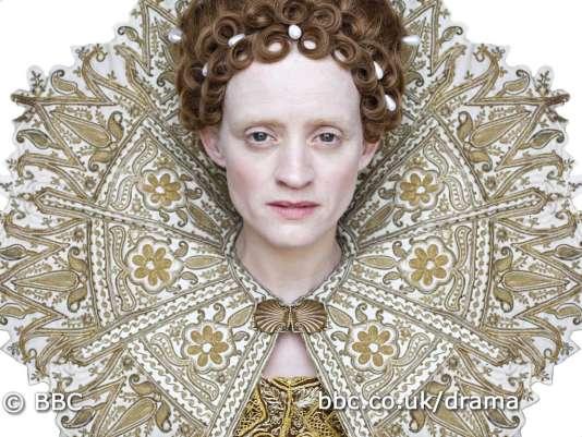 Anne-Marie Duff incarne Elisabeth Ire dans la mini-série de la BBC, « The Virgin Queen»(2005).
