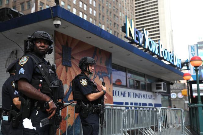Des officiers de la police de New York en patrouille à Times Square le 20 septembre.