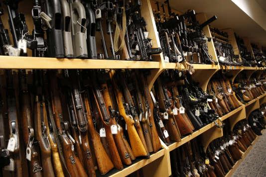 Selon l'étude des universités Harvard et Northeastern, sur le total de 265 millions d'armes en circulation, près de 130 millions seraient entre les mains de 3 % de la population.